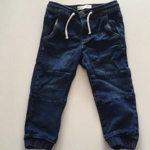 Zara boys jeans. Excellent condition. Size 2-3y